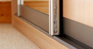 Раздвижные дверцы для шкафчика своими руками